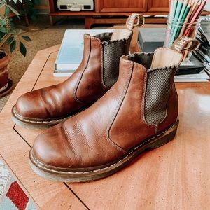 Doc Dr. Marten's 2976 slip resistant Chelsea boots